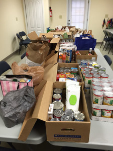 The Sun Valley High School National Honor Society and Coebourn Elementary School students joined forces to collect canned goods for the needy. The food is being donated to the Aston Township Neighbors Helping Neighbors Pantry.